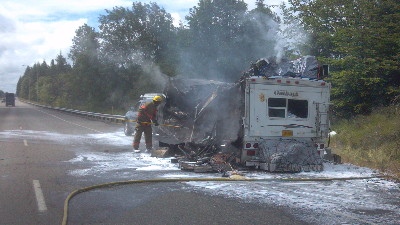 2012.0624.Traveltrailerfire.lcfd5_.trim_2.jpg